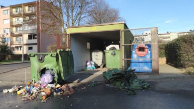 Photo of W nocy spłonęło 9 kontenerów na śmieci. Policja poszukuje podpalaczy