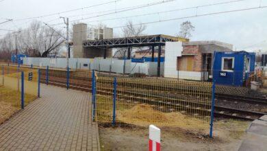 Photo of Sprawdzamy jak budują dworzec w Gorzkowicach i Wilkoszewicach