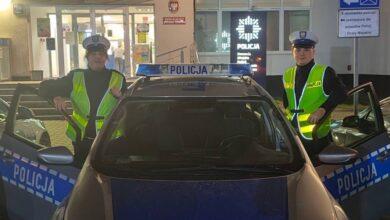 Photo of Policjanci w ostatniej chwili uratowali dziewczynę przed samobójstwem