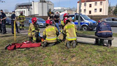 Photo of Coraz częściej brakuje karetek, a ratowników medycznych zastępują strażacy