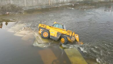Photo of Na budowie kładki w Sulejowie, w Pilicy zatonęła maszyna budowana