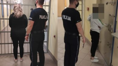 Photo of Podpaliły drzwi w mieszkaniu na Wysokiej, usłyszały już prokuratorskie zarzuty