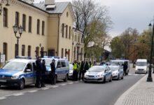 Photo of Piotrkowscy policjanci oddali hołd zastrzelonemu funkcjonariuszowi z Raciborza