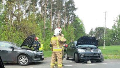 Photo of Dwie osoby poszkodowane w zderzeniu dwóch osobówek