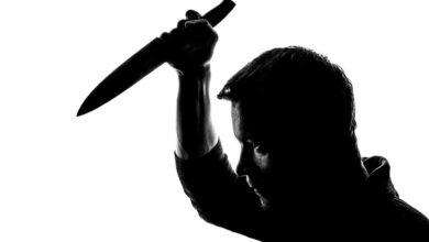 Photo of Zaatakował policjanta nożem, w odwecie padły strzały