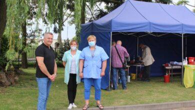 Photo of Ponad 200 osób zaszczepiło się w niedzielę w Szydłowie