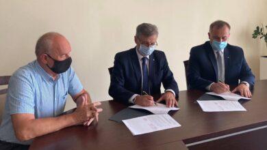 Photo of Jest umowa na dofinansowanie drogi powiatowej Tuszyn-Czarnocin