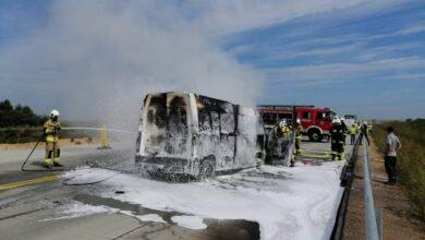 Photo of Dwa wypadki, w tym pożar busa na A1