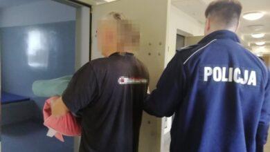 Photo of Ukradł telefony komórkowe i karty płatnicze. Wspólnie z kolegą próbowali ogołocić cudze konto bankowe