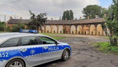 Photo of Para złomiarzy okradała budynki PKP