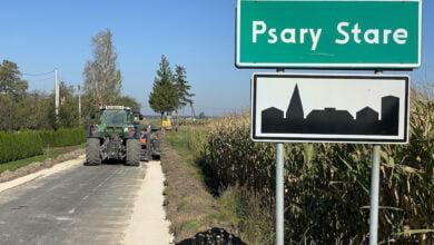 Photo of W Swolszewicach Dużych chodnik już gotowy, a w Psarach budują drogę
