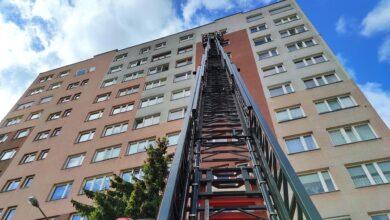 Photo of Pożar w wieżowcu przy Norwida. 5 osób ewakuowanych – ćwiczenia służb – FILM, ZDJĘCIA