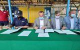 Podpisanie-umowy-nad-zalewem-2
